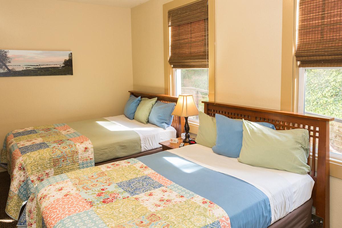 Hotel Cathlamet - rm 202
